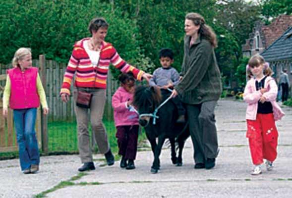 dieren-en-kinderen-pleeg-en-jeugdzorgboerderij-de-essenburg