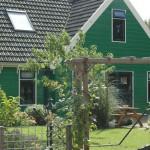 Rondom de boerderij de Essenburg- De achetertuin